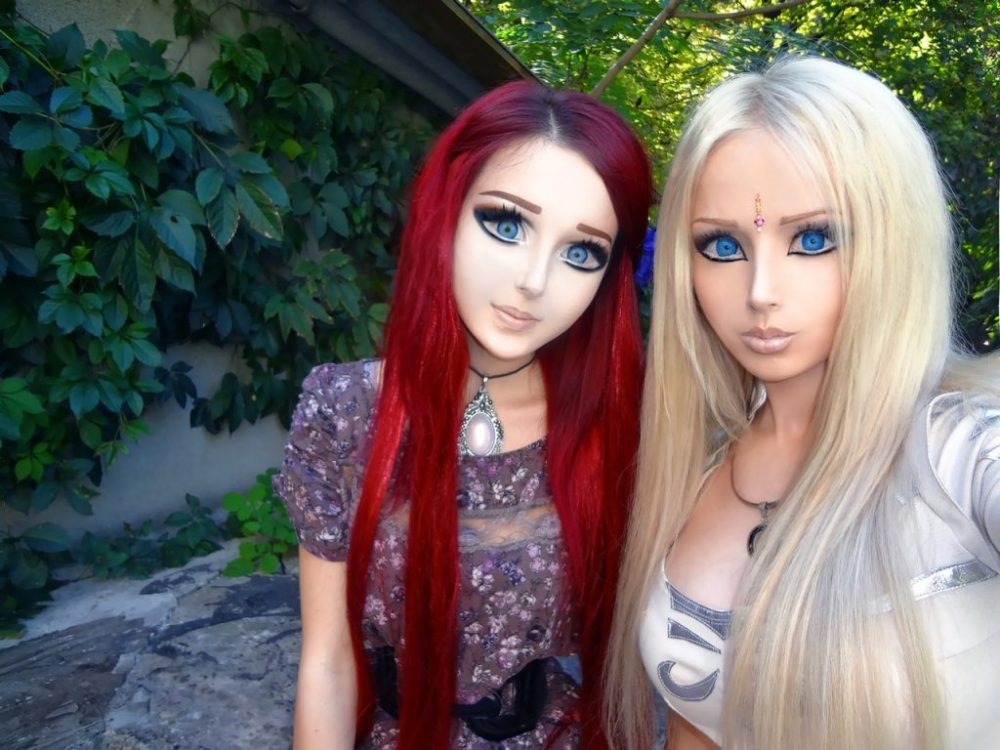 ... vivante ukrainienne Valeria Lukyanova et sa copine fan de manga animé