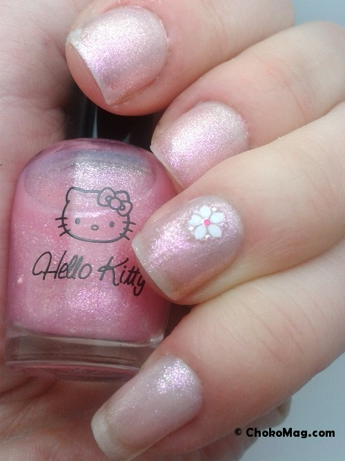 vernis à ongles holographique hello kitty rose creamy