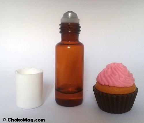 recycler les échantillons de parfum dans un roll on pour les utiliser plus facilement