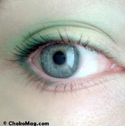 maquillage des yeux vert amande et vert sapin