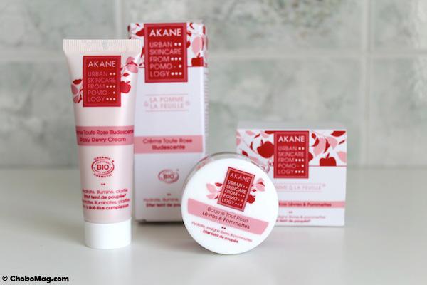 nouveaux produits akane skincare baumes lèvres rose et crème teint de poupée