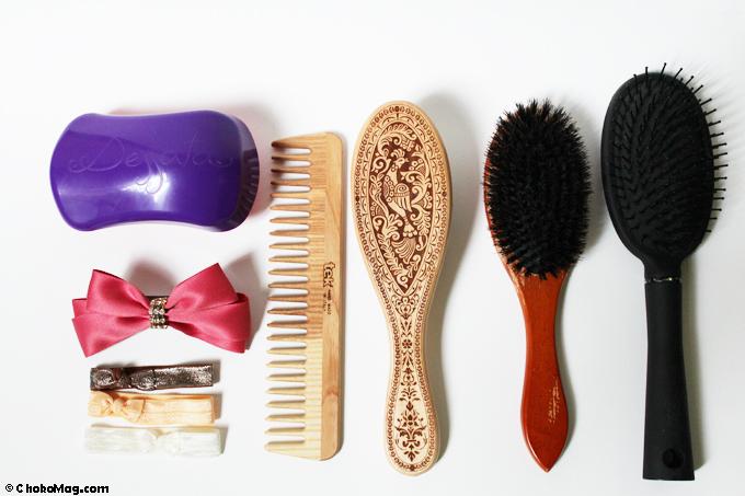 collection de brosses peignes et accessoires cheveux pour cheveux très longs de raiponce