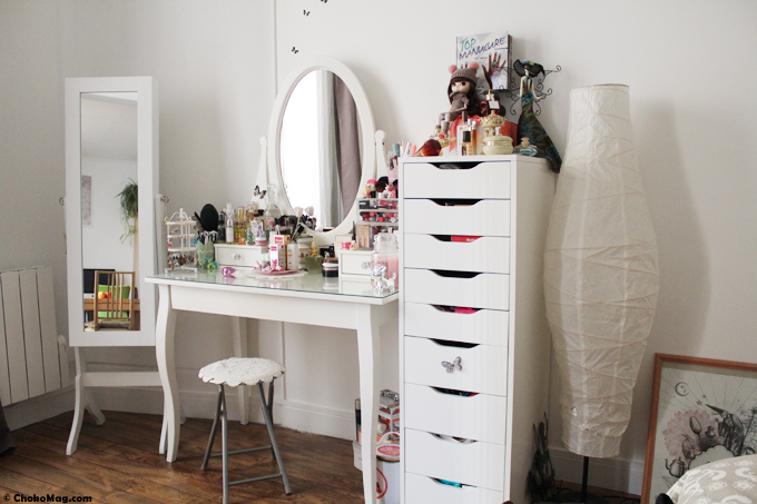 latest coin makeup chokomag blog beaut coiffeuse ikea tiroirs alex et miroir range bijoux with. Black Bedroom Furniture Sets. Home Design Ideas