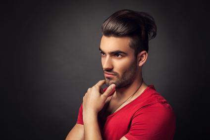 Conseil cheveux mi long homme
