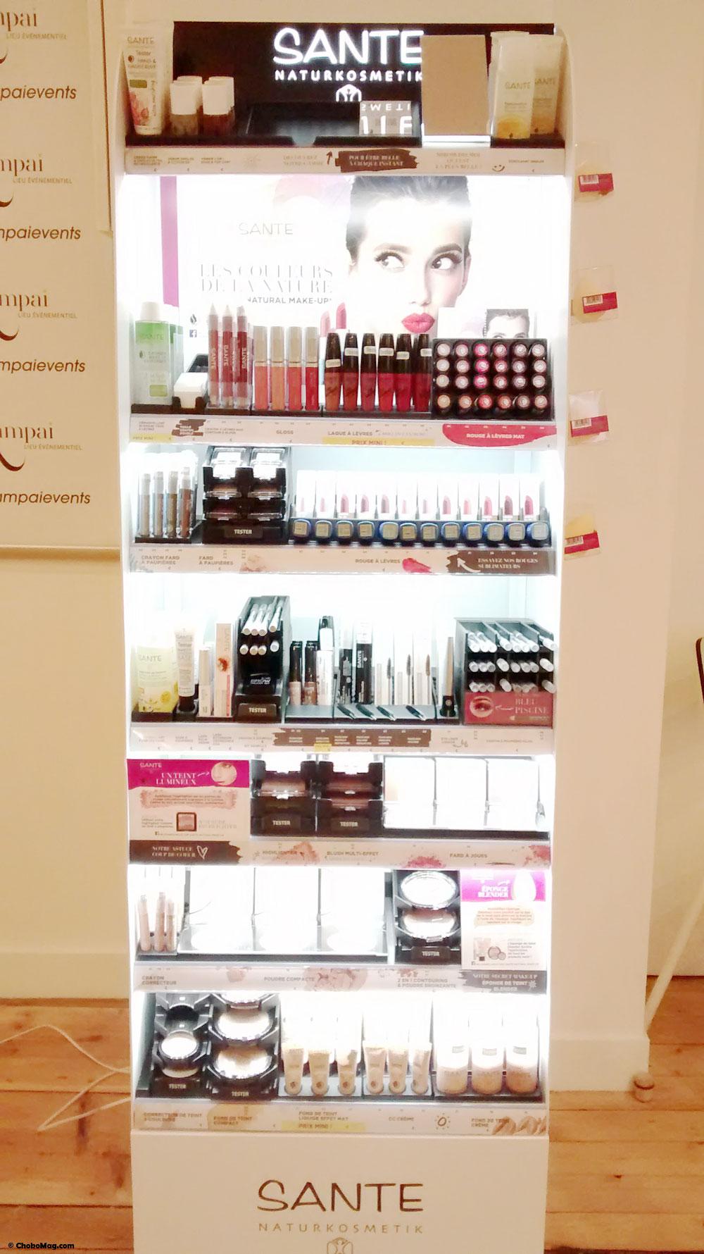 stand de présentation du maquillage bio sante naturkosmetik