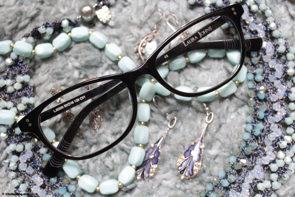 lunettes noires forme oeil de chat