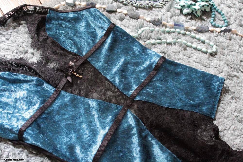 body bleu velours leg avenue